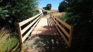 Brücke am Wanderweg wurde erneuert.